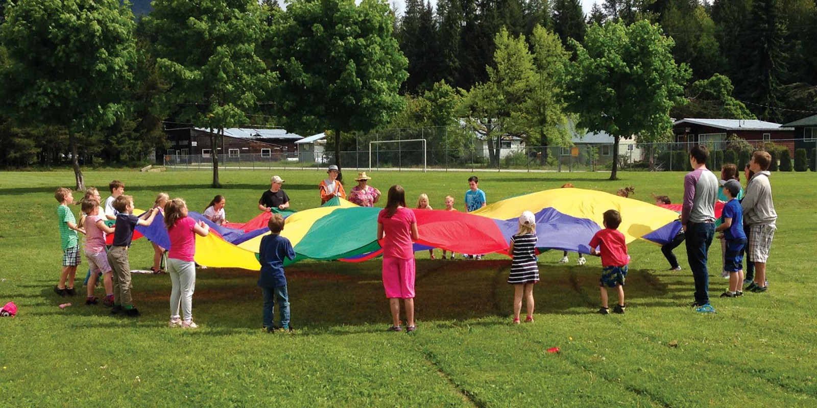 sd10-arrow-lakes-school_yard_parachute