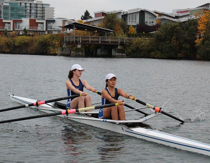 CISDV St. Andrew's students rowing