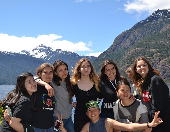 Vancouver Island West Mountain View with students
